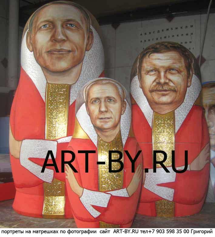 расписать матрешку, на фото показана необычная матрешка из трех кукол...